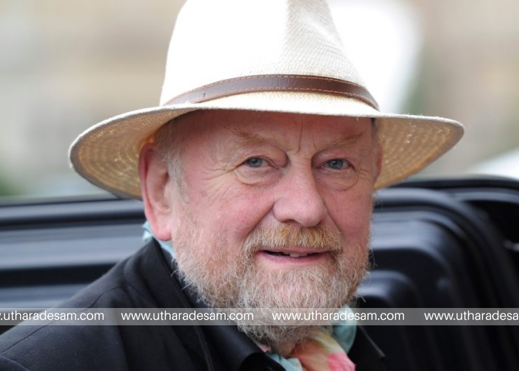 Danish cartoonist Kurt Westergaard, who sparked anger in the Muslim world with his caricatures of the prophet Mohammed, arrives for a news conference before the awarding ceremony of the M100 media prize 2010 in Potsdam, September 8, 2010.   REUTERS/Johannes Eisele/Pool   (GERMANY - Tags: SOCIETY PROFILE)